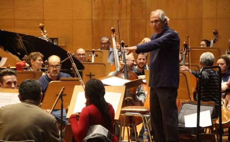 Concierto de la Orquesta Sinfónica Bajo la Dirección del Mtro. Juan José García Caffi