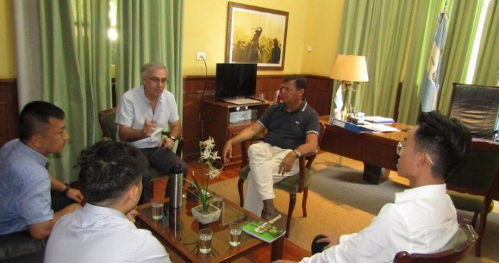 El ministro Anselmo recibió a empresarios chinos y representantes de la APEFIC