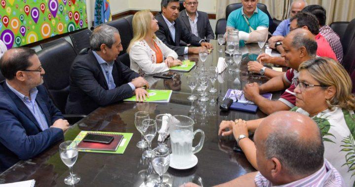 DOCENTES: la Provincia ofreció aumentar el básico un 20% y tres cuotas de $700