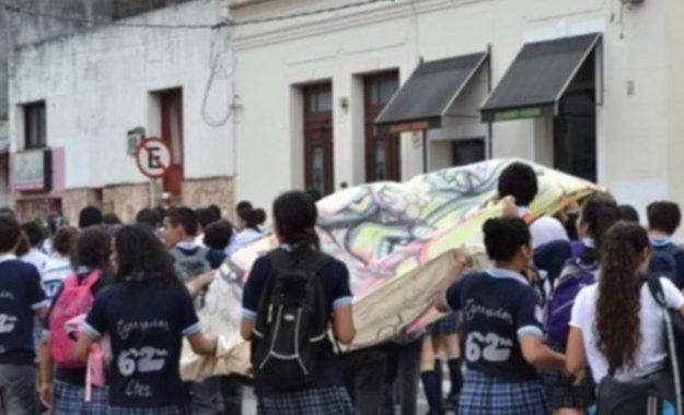 VIAJES DE EGRESADOS: REPROGRAMAN PARA OCTUBRE Y HAY UNA CAÍDA DEL 25% EN LA DEMANDA